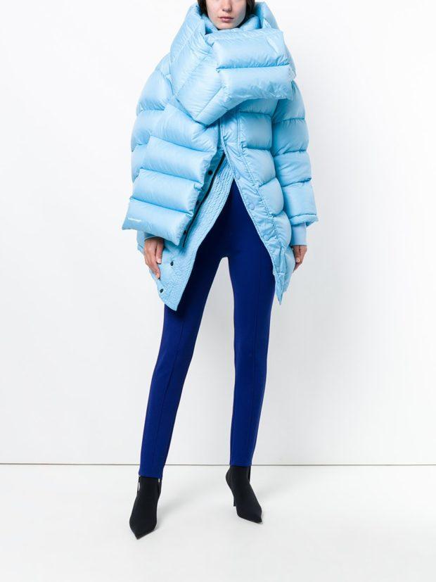 Модные женские пуховики зима 2019-2020: голубой одеяло