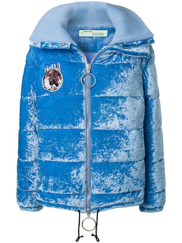 Модные женские пуховики: яркий бархатный голубой