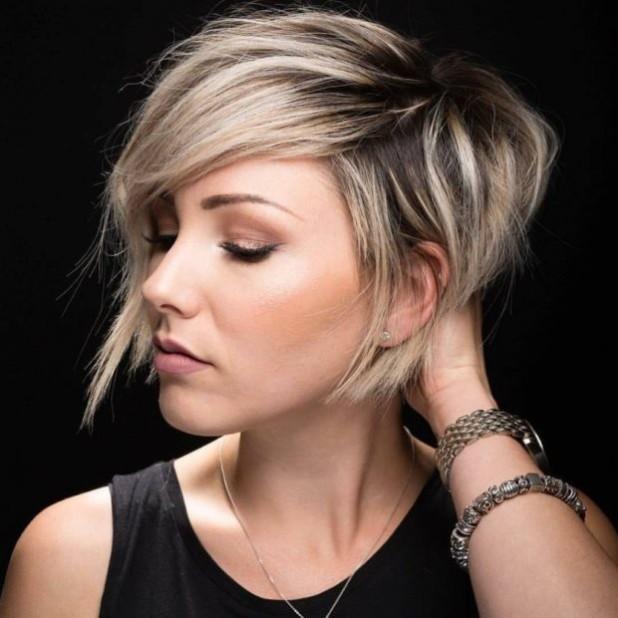 Модная стрижка 2018 на короткие волосы фото для женщин за 40