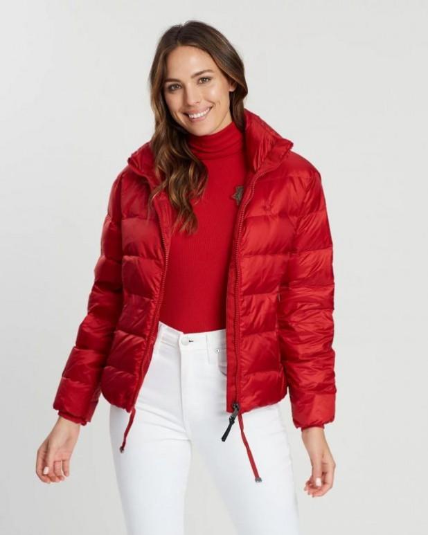 женские куртки осень зима: красный пуховик