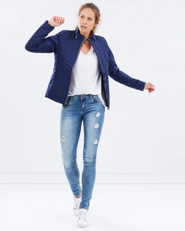 женские куртки осень зима: синяя куртка короткая