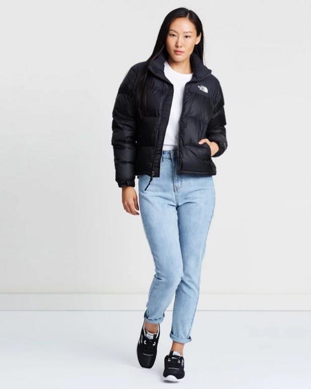 женские куртки осень зима 2019-2020: короткий пуховик