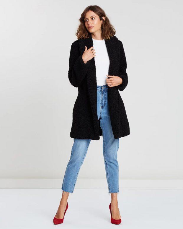меховое черное пальто