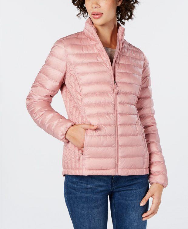 Модные женские пуховики 2019-2020: нежно-розовый короткий