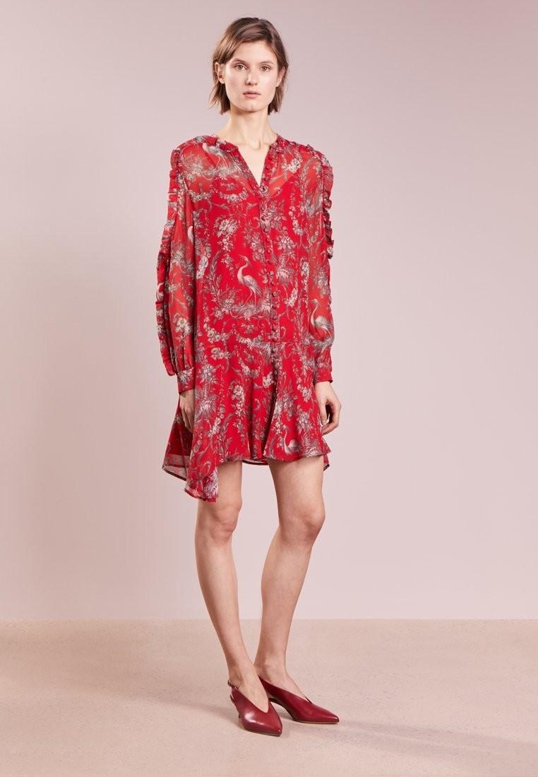 Красное платье: Супер женственные новинки 2019 года новые фото