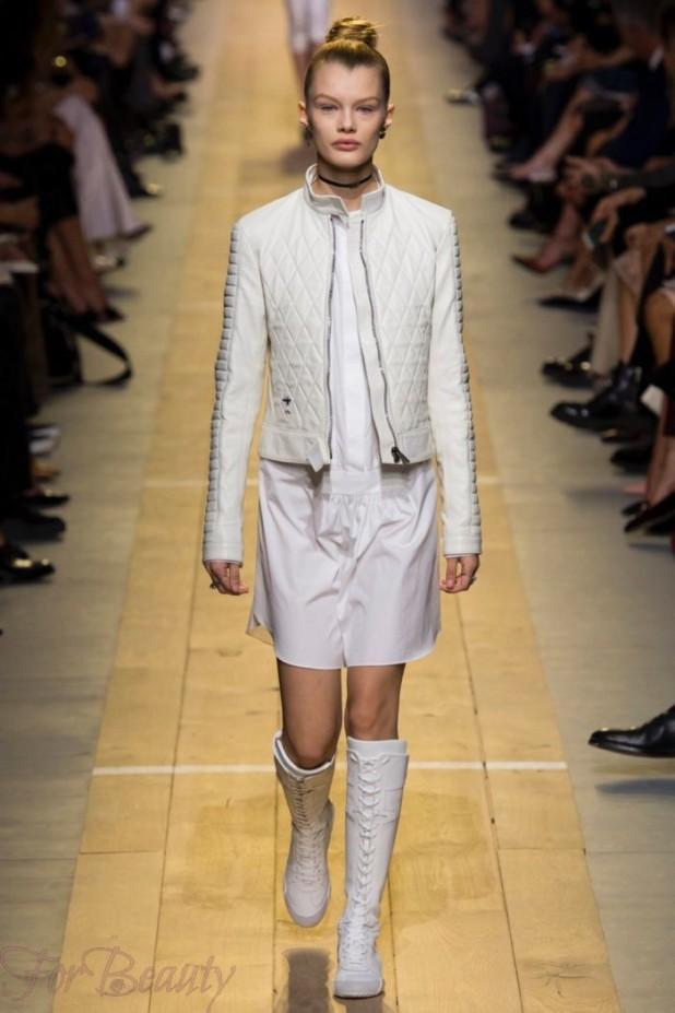С чем носить высокие белые сапоги