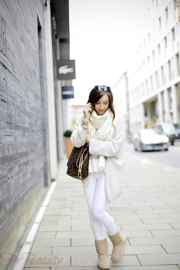 С чем можно носить белые сапоги без каблука фото