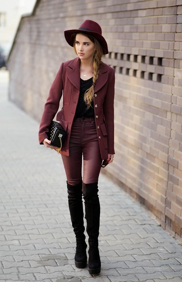 С чем же можно носить черные замшевые ботфорты в 2017