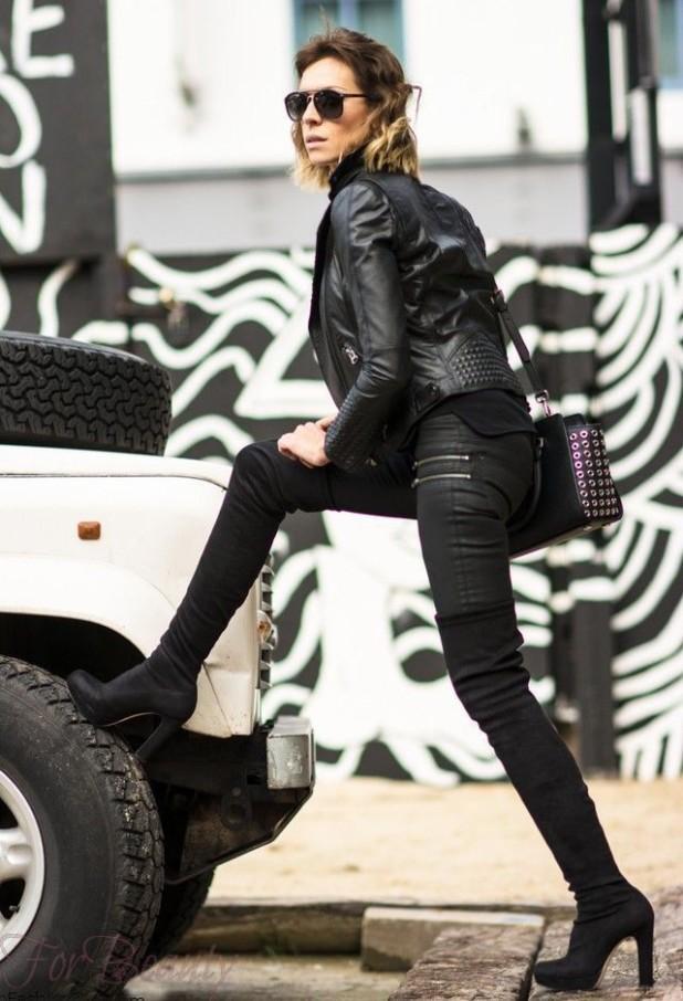 С чем носить черные замшевые ботфорты