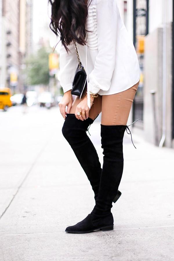 С какими брюками носить черные замшевые ботфорты
