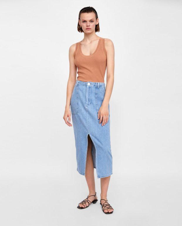 юбки 2019-2020 года: джинсовая с разрезом