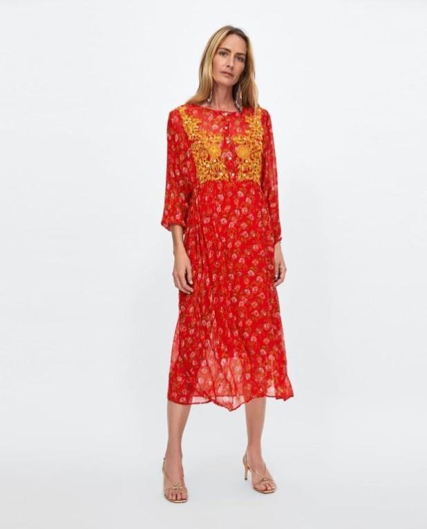Мода 2019-2020 года в женской одежде: красное платье