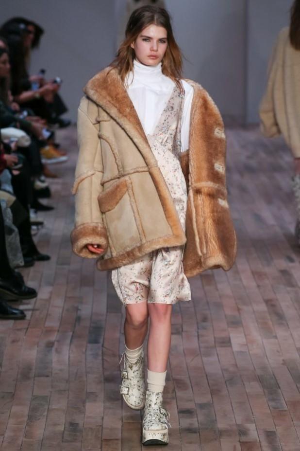 мода в одежде: лук с дубленкой