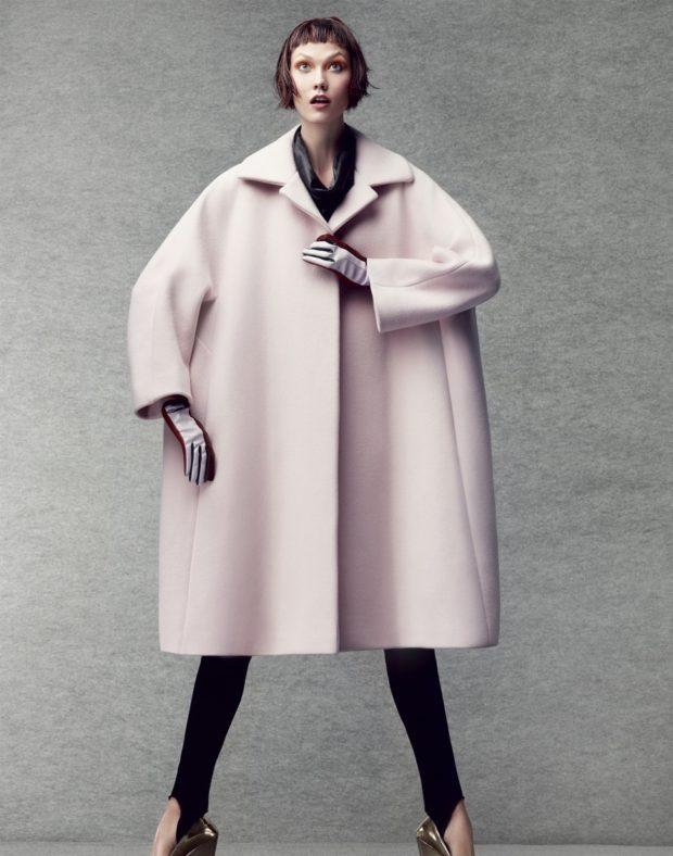 мода в одежде: розовое пальто оверсайз