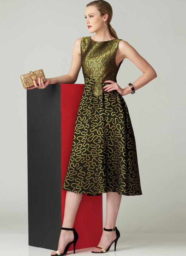 мода в одежде: зеленое платье с узорами