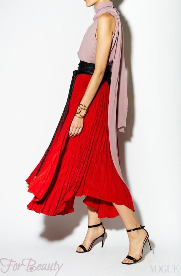 модная красная юбка 2018