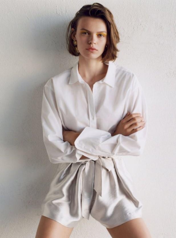 Мода 2019-2020 года в женской одежде: белая рубаха и шорты